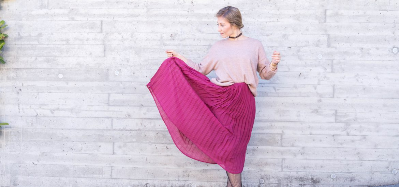 outfit fashion primetime chaos midi skirt fishnet tights