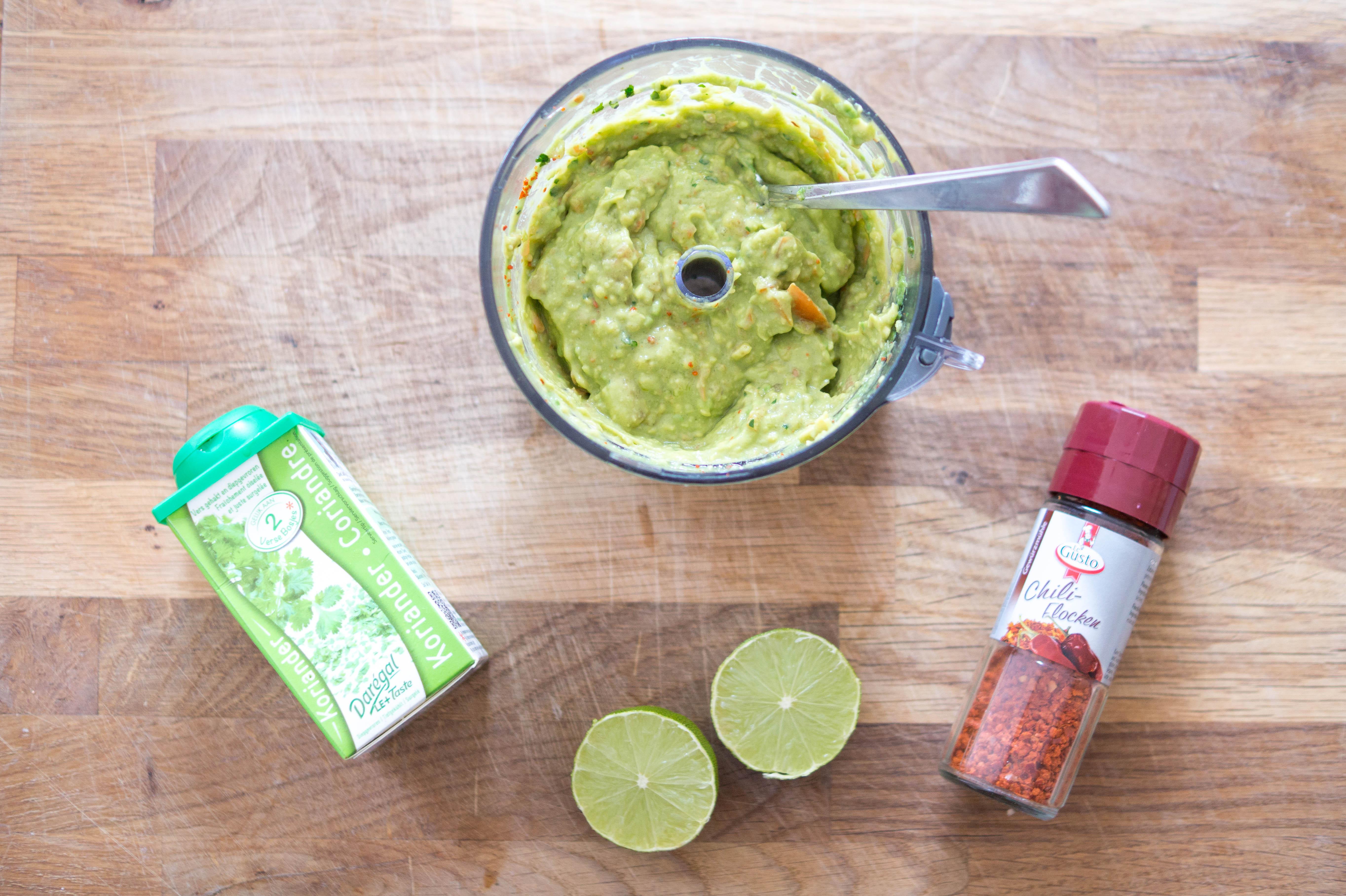 guacamole spread avocado vegan food cooking recipe chili lime