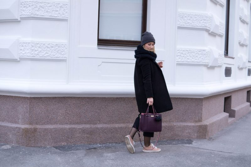 Winter Outfit in Black and Blush