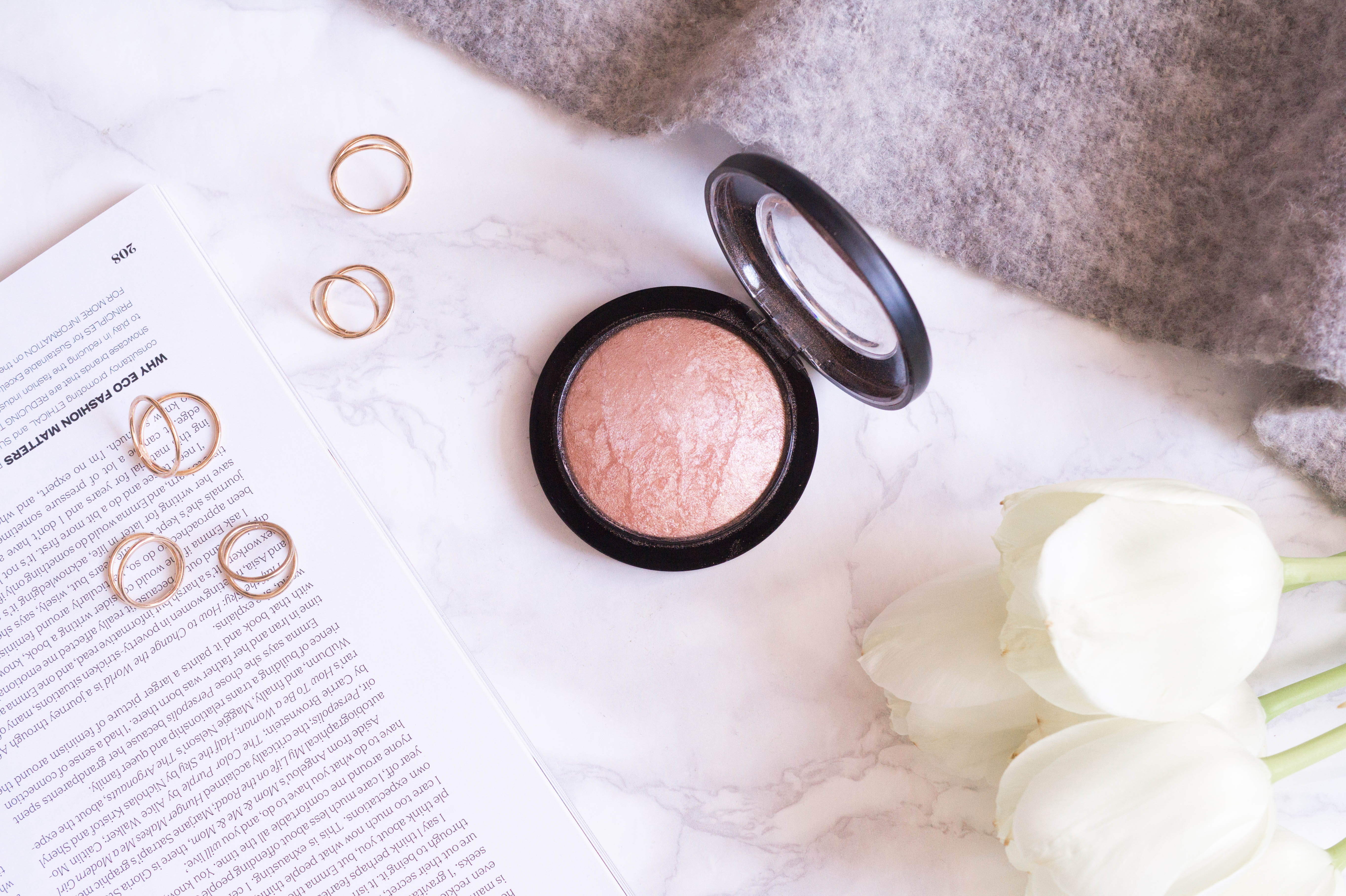 best products monthly favourites flatlay beauty makeup primetime chaos mac mineralize skinfinish soft and gentle