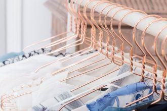 declutter closet wardrobe organizing organising decluttering kleiderschrank ausmisten schrank