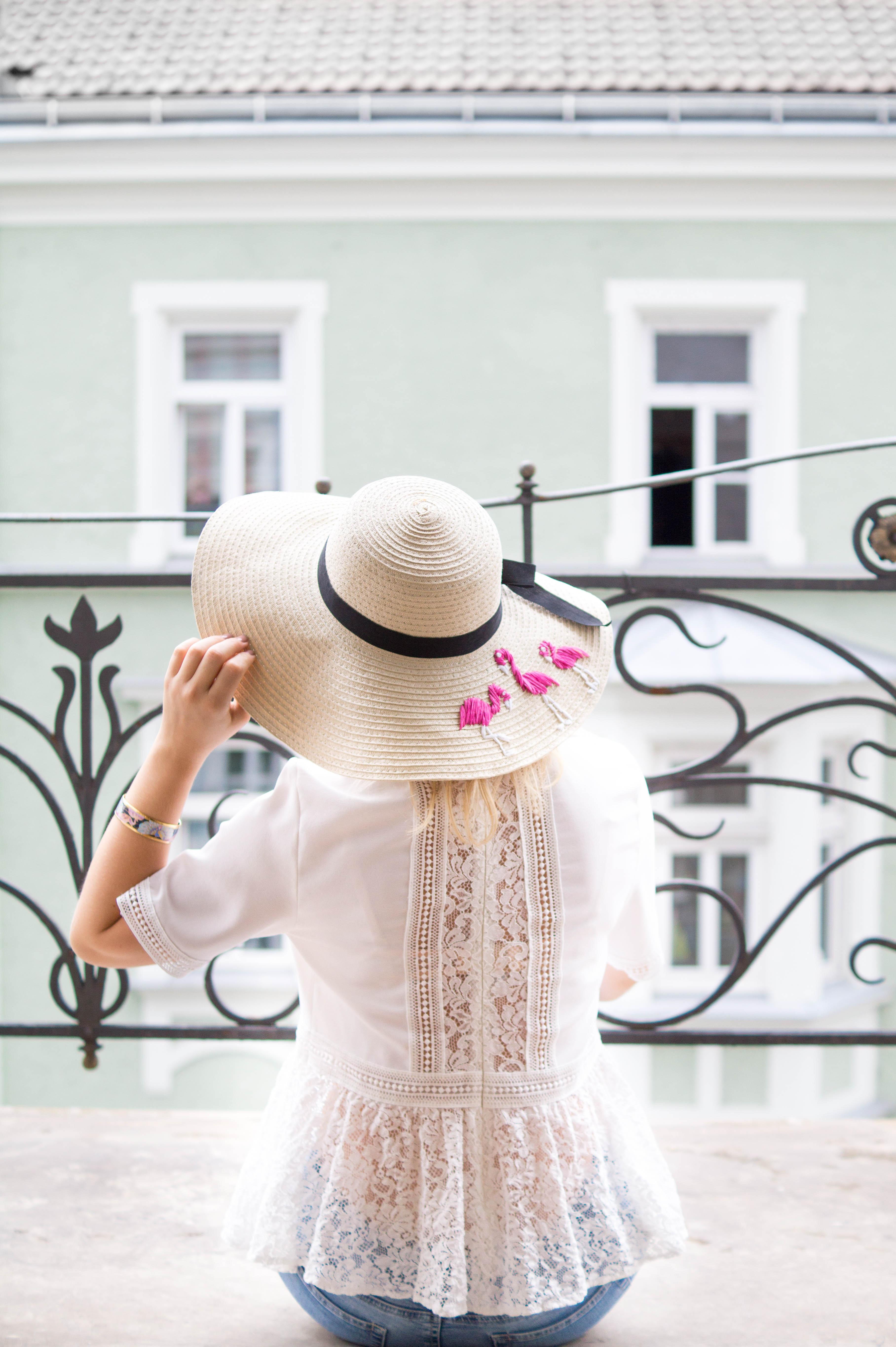 straw hat outfit strohhut