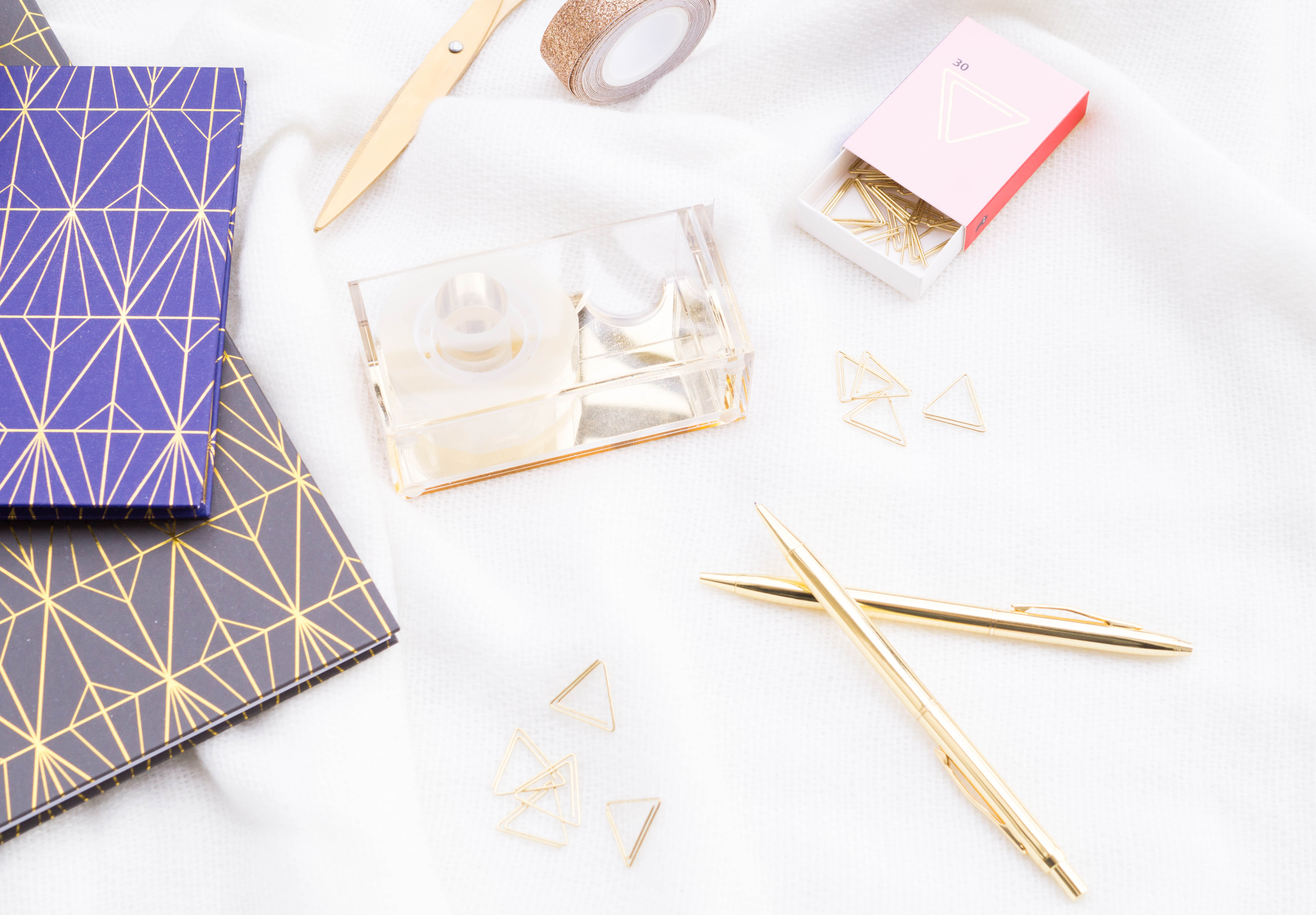 flatlay flatlays stationery schreibwaren notebooks gold scissors pens washi tape