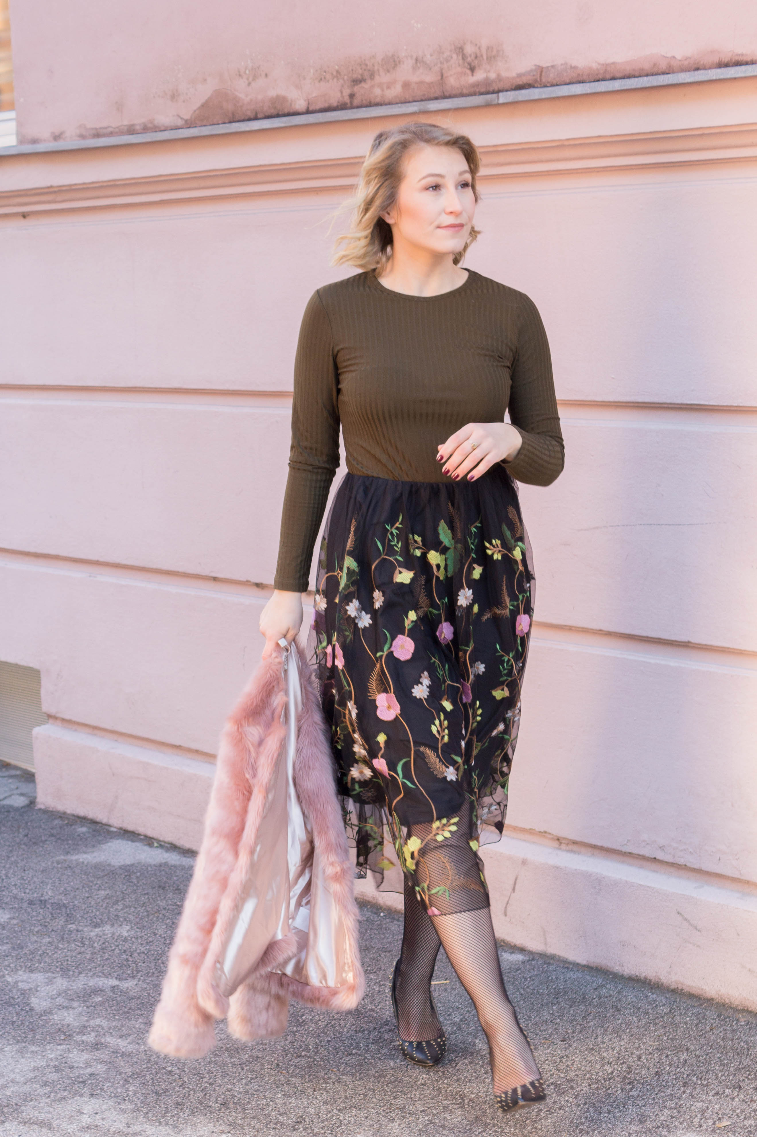 Festive Outfit: Embroidered Midi Skirt, Faux Fur and Stilettos