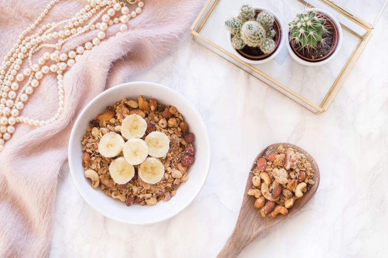 Recipe: Vegan Nut Granola with Coconut and Oats (Quick & Simple!)