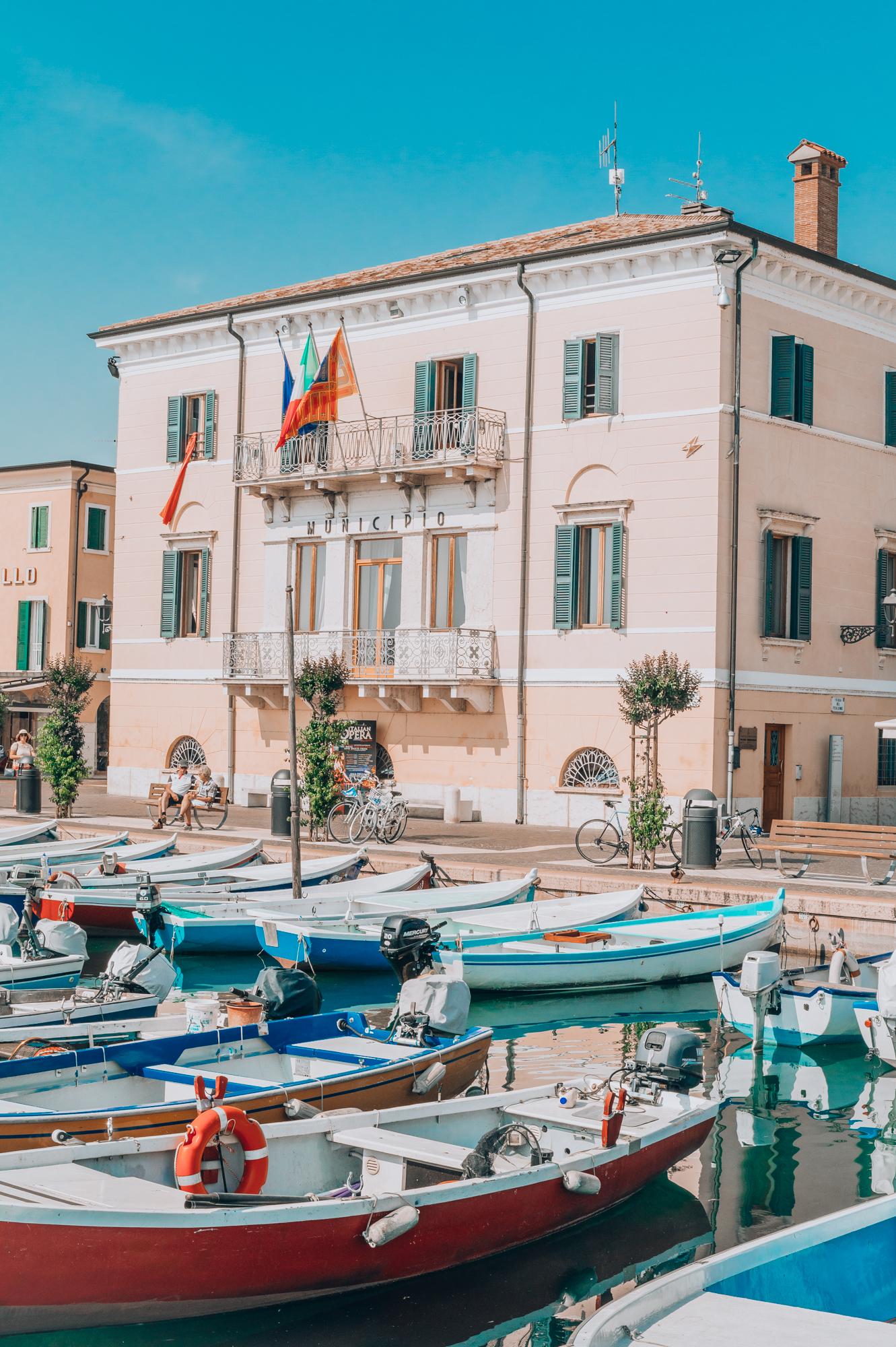 lake garda primetime chaos summer outfit travel tips italy italien italia lago di garda gardasee bardolino